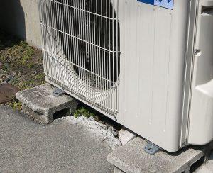 機 エアコン 固定 室外